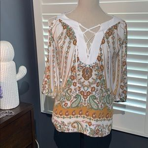 Sz M New York & Company Cold Shoulder Top